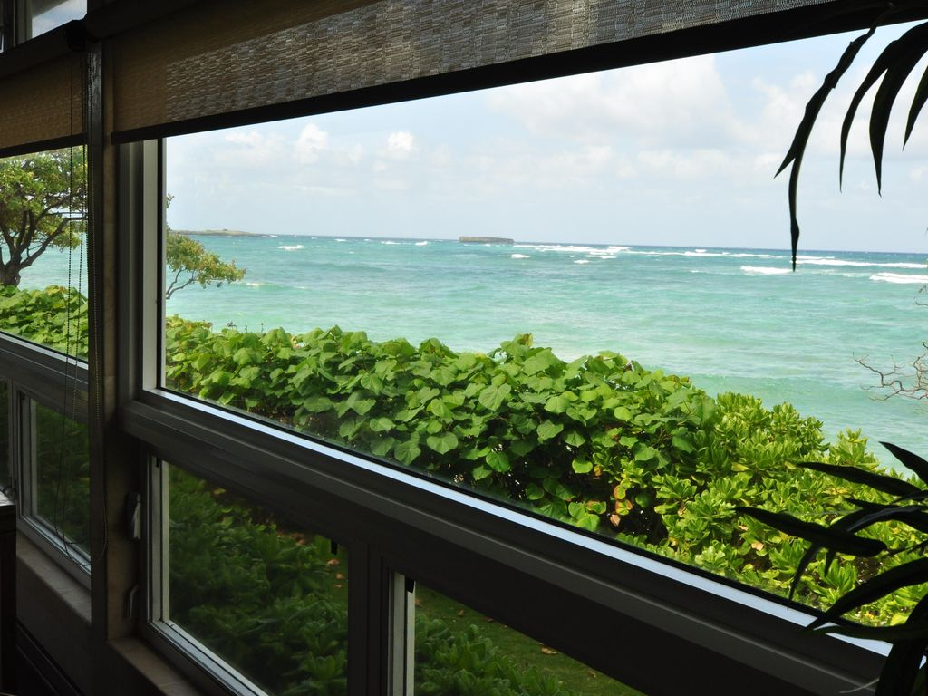 "Beach Front 3 Bedroom: ""Aloha Sunrise 3"" at Tiki Moon Villas"