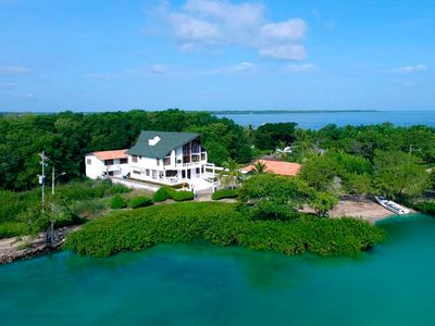 Photo for Large beachfront house with kitchen, cleaning and concierge service included!