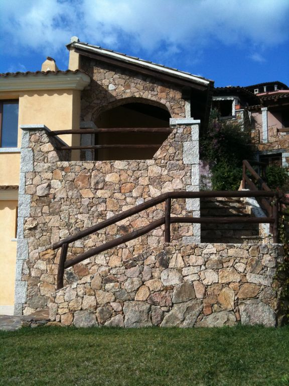 Villa peonia is located in porto san paolo porto san for Large apartment in san paolo