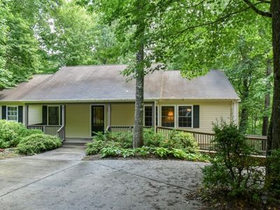 Photo for Blackberry Cottage:  one-level golf & mountain view