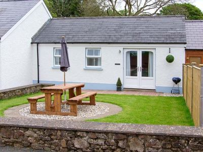 Photo for TY GLAS, romantic, with a garden in Narberth, Ref 30543