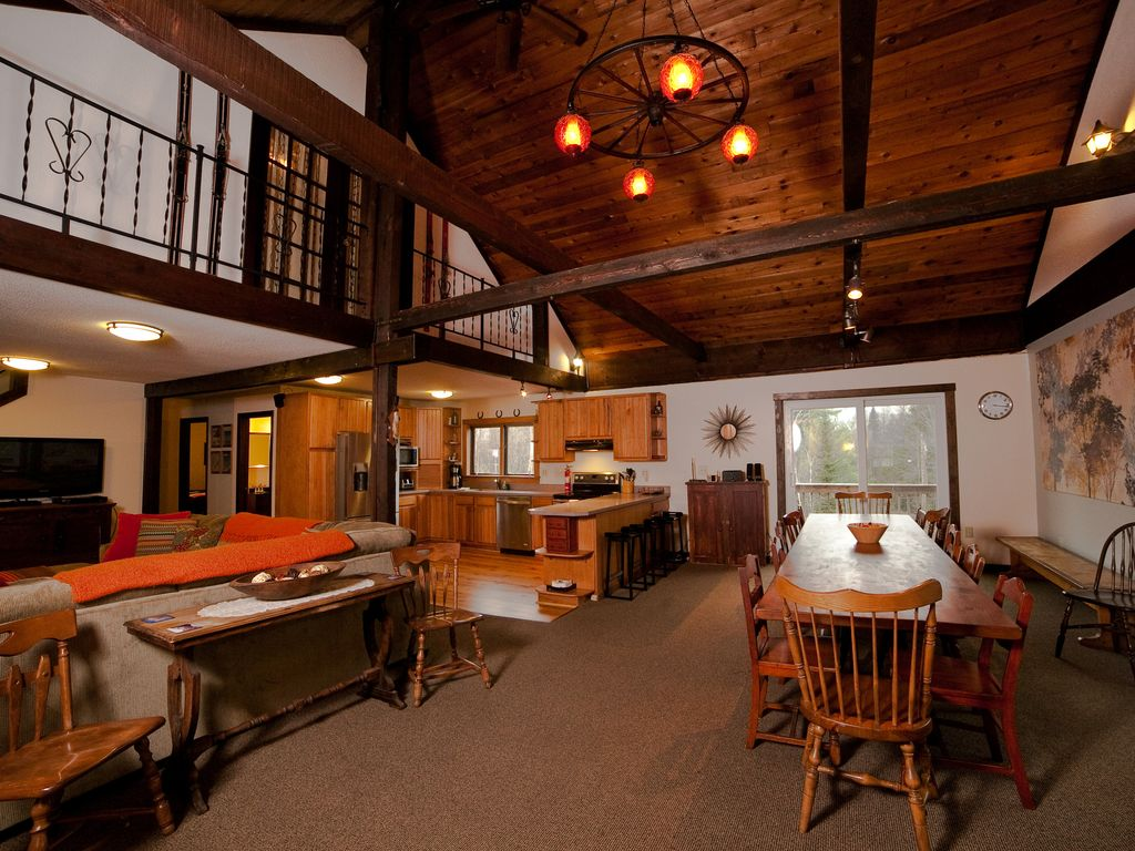 Amazing property with hot tub bar pool homeaway mount holly but no swinging from the chandelier arubaitofo Gallery