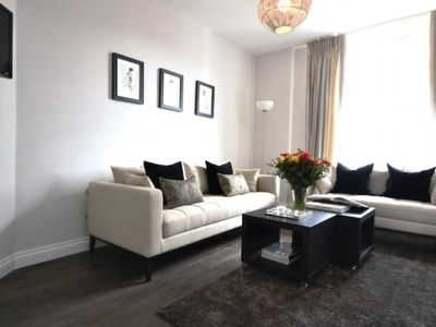 Photo for Abbey Luxurious 2 bedroom flat - 6 mins from Baker Street