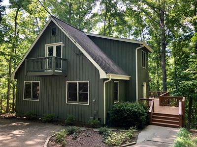 Photo for The PERFECT Lake Lanier Getaway Cottage