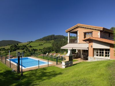 Photo for Villa Veronia house with pool, garden and wifi.