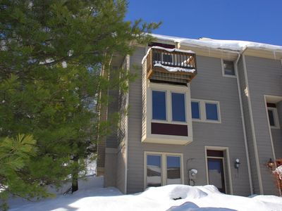 Ski In/Ski Out townhome with Lake Access & a Hot tub in the heart of DCL!
