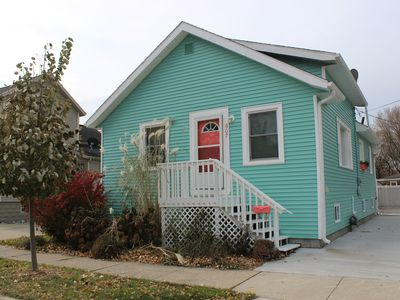 Photo for Caribbean Blue 3 bedroom, 2 full bathroom vacation home in downtown Grand Haven!
