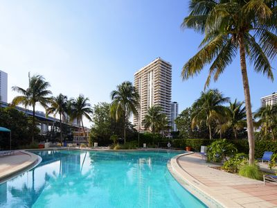 Photo for Enchanting Pool View 1BR @Ocean R #34A