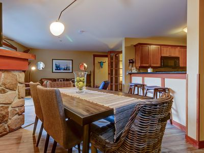Photo for Spacious ski-in/out condo! Includes shared hot tub, pool + Club Solitude access!