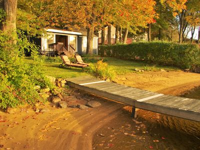 Lakefront Cottage - Private Sandy Beach, Sunsets & Kayaks!