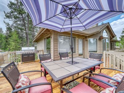 Photo for NEW LISTING! Fantastic home with 8 SHARC passes, shared pool, private hot tub