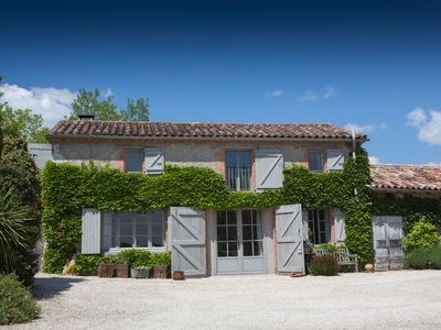 Photo for A wonderful holiday experience in the Quercy Blanc SW France
