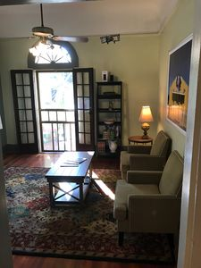 Peaceful Getaway In The Bywater- 2 Bedroom, 2 Bath