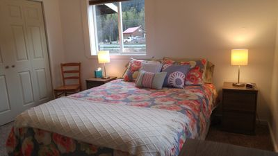 Photo for Mountain View Lodging - Freshly renovated 2 bedroom apartment!