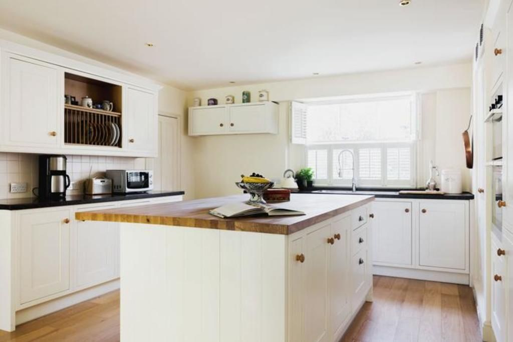 London Home 399, Imagine Your Family Renting a Luxury Holiday Home Close to London's Main Attractions - Studio Villa, Sleeps 7
