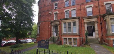 Photo for Leeds City Apartment  With Secure Parking  Near University & Hospital