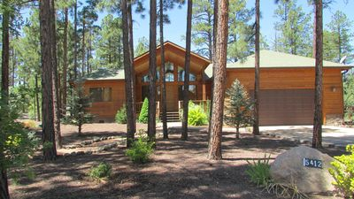 Photo for Gated community, 3 bedrooms, 2 miles from lake.
