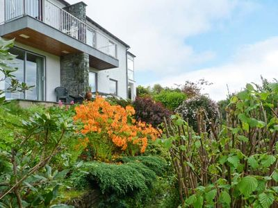 Photo for WALKER'S RETREAT, romantic, with a garden in Ambleside, Ref 911820