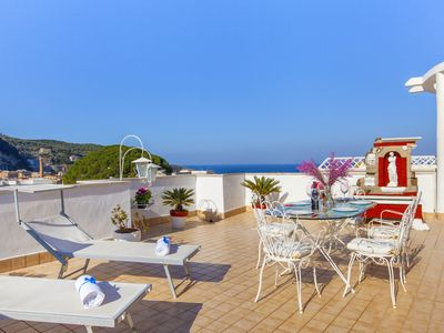 Photo for Appartamento Brum with Shared Pool, Terrace and Sea View