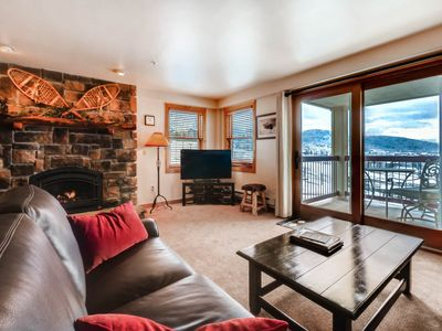 Photo for Superb & upscale slopeside condo w/panoramic view & resort amenities