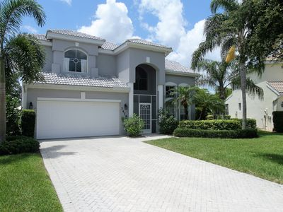 Photo for **the Shores - 4 Beds / 3 Baths - Pool Home**