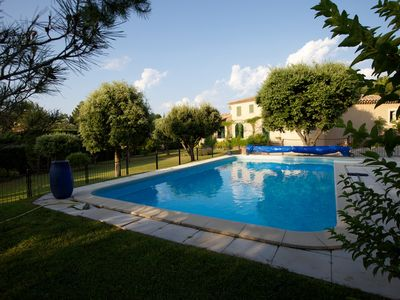 Photo for Provence, bastide charming 200m2, air-conditioned, calm, swimming pool heated, reassured.