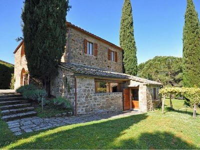 CHARMING FARMHOUSE in Montalcino with Pool & Wifi. **Up to $-565 USD off - limited time** We respond 24/7