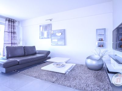 Photo for Lovely and Modern flat at two steps from the Croisette