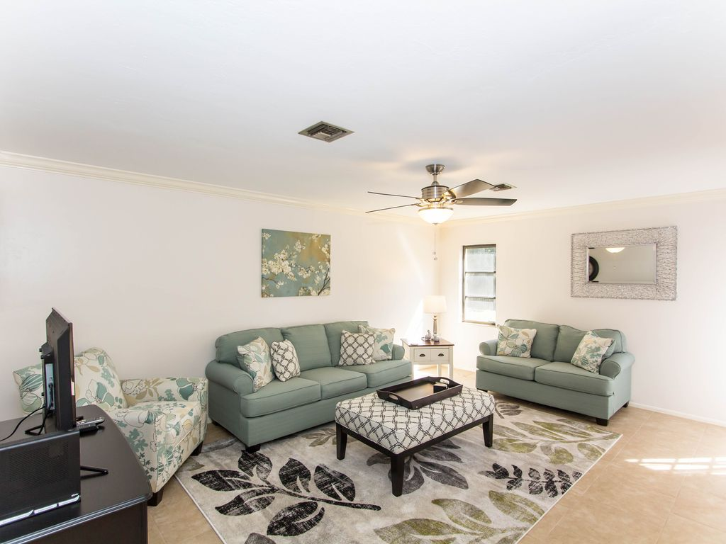 Minutes To Sanibel And Fort Myers Beach Perfect For Snowbirds Private Lanai Fort Myers Beach