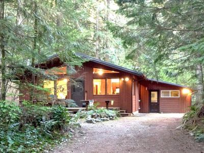 Photo for Vacation home 23SL Great Cabin w/ Hot Tub in Mount Baker/Glacier - 6 persons, 2 bedrooms