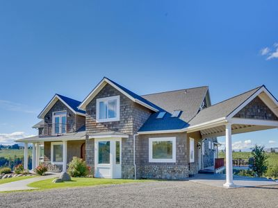 Photo for Luxury home in a pear orchard w/ hot tub & amazing Mt. Adams views - dogs OK!