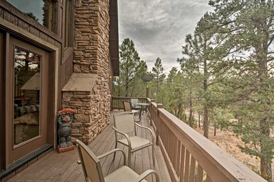 Discover the best of mountain living from the cabin's exterior living spaces.