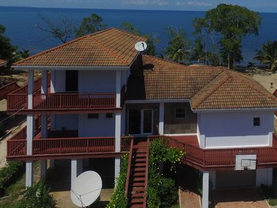 Ocean Front Perfect for couples or groups. PRIVATE BEACH