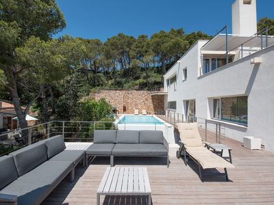 Photo for Large villa in Begur for 14 people, with 3 kitchens, 7 bedrooms, pool + sea view