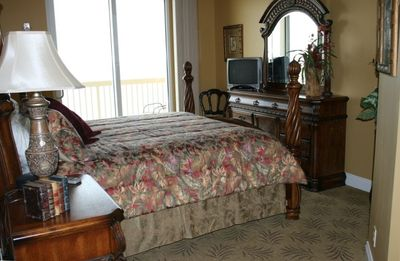 Photo for ** Calypso 5th Floor West Tower w/Beach Service & Private Parking **