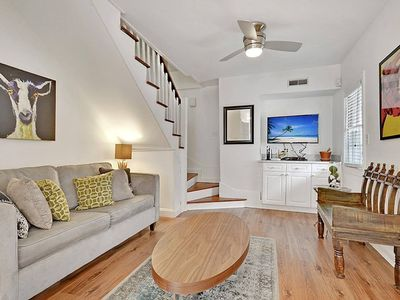 Photo for The Primrose Home - 2 Bed/1 Bath - 1 Block from King St!