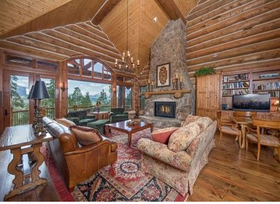 Ten Mile Estate offers incredible views while being just a short drive to Breck