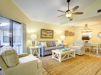 Photo for 0.7 Miles to the Beach. Beautifully furnished, Luxury Harbour Oaks Unit 406