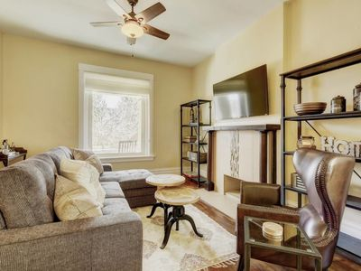 Photo for Large 4 BR Vacation House in DT Denver - Sleeps 16