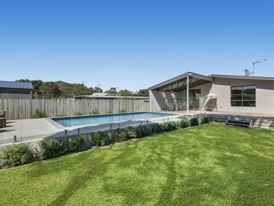 Photo for Family Entertainer with Swimming Pool - Rye
