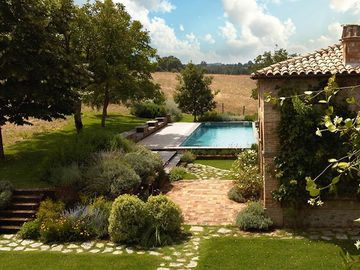 A Stunning Property with Private Pool Tucked Into The Umbrian Countryside