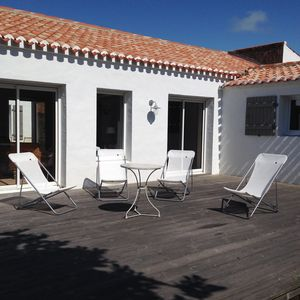 Photo for full of charm for this house in Noirmoutier / sleeps 8 / internet /