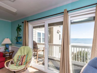 Amazing Oceanfront, 4 Bedroom Condo with Free Water Park, Aquarium, Golf & More Every Day! CCII202
