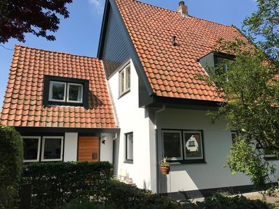 Photo for Villa Rosa, very well kept big house in villa area in Bergen