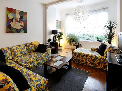 Photo for Stylish 3 bedrooms for 6 persons at posto 5 in Copacabana!
