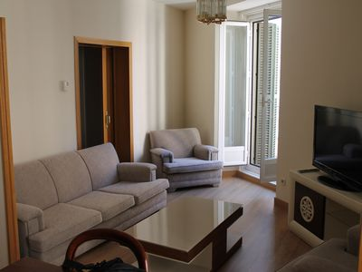 Photo for Spacious renovated apartment in great location