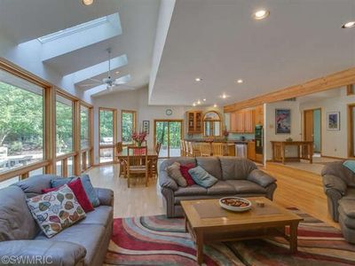Photo for 4000+ sq Ft, Secluded Open Concept, 4 Bedroom, 10-12  guests, golf car, fire pit