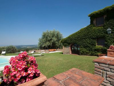 Photo for Tuscany 8 bedroom villa with gym, spa and pool