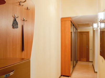 Photo for Nice 2-bedroom apartment near Sofiyskaya Square.