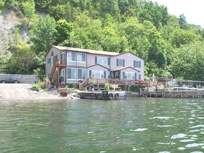 Photo for Beautiful lakeside home with panaramic lake views and level lakefront